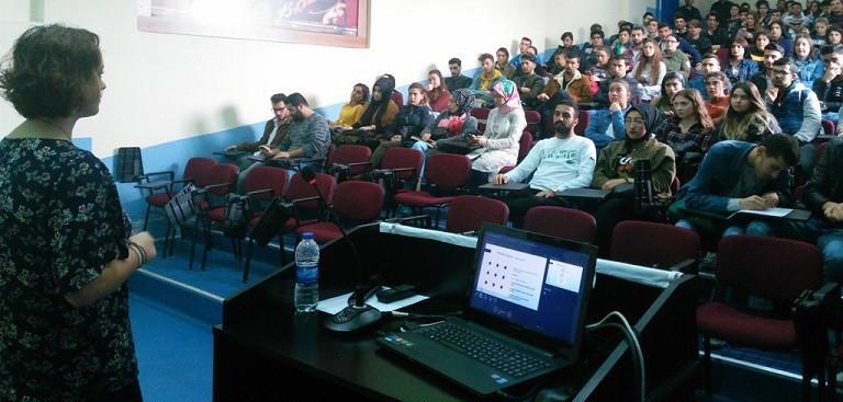 """Kırklareli Üniversitesi İlçe Kampüslerinde """"Kariyer Hizmetleri Bilgilendirme Toplantıları"""" Gerçekleştirildi."""